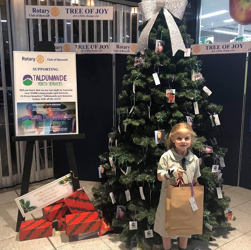 Rotary Beecrofts Tree of Joy for Taldumande Youth Services Kids